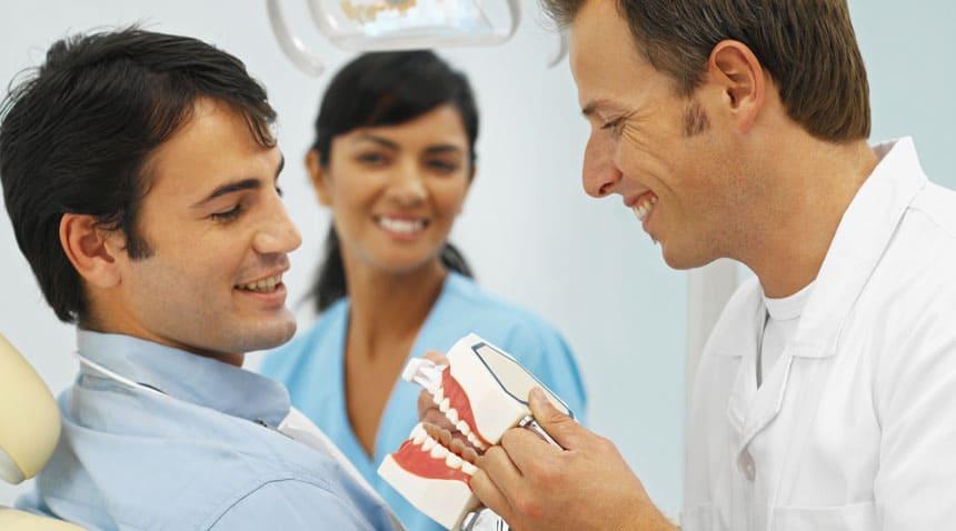 Zahnimplantate aus dem Ausland