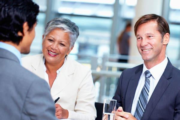 Jobs gesucht – Karriere beginnen: Vorteile für Bewerber und Arbeitnehmer/Mitarbeiter